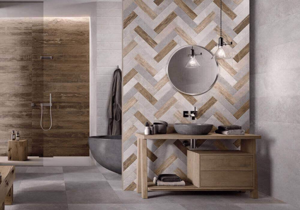 ריצוף דמוי בטון וחיפוי דמוי פרקט לחדר האמבטיה
