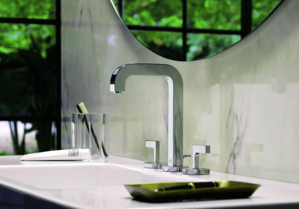 ברז אמבטיה ברבור עם פתיחה חמים קרים